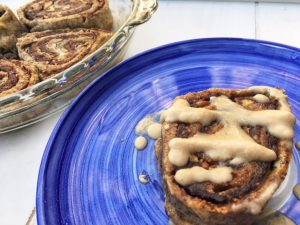 Holiday Cheer With VSG & RNY Approved Cinnamon Rolls